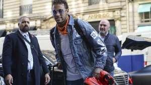 Neymar Brasil chegada concentração Paris 06 11 17