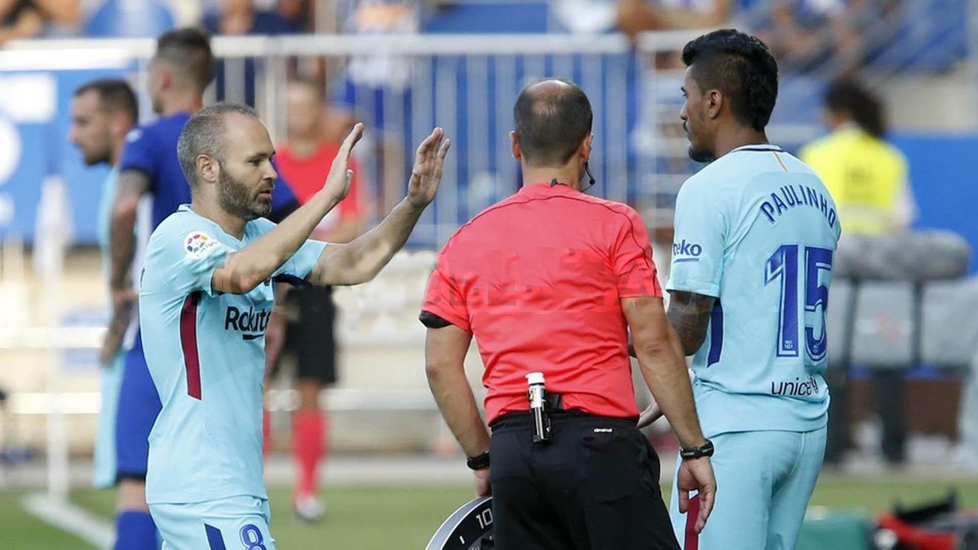 Iniesta e Paulinho Barcelona x alavés 26 08 17