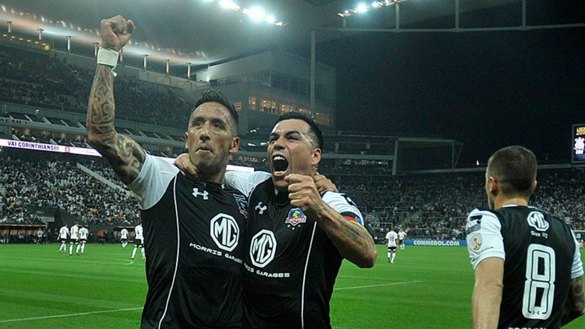 Lucas Barrios - Esteban Paredes