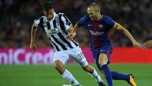 Bentancur Iniesta Barcelona Juventus Champions League