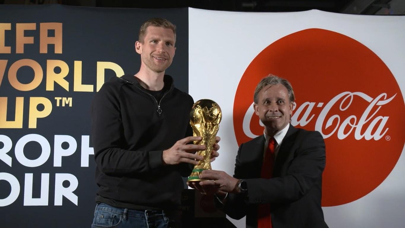ผลการค้นหารูปภาพสำหรับ The FIFA World Cup Trophy Tour โดย Coca-Cola ถึงโคโลญจน์แล้ว