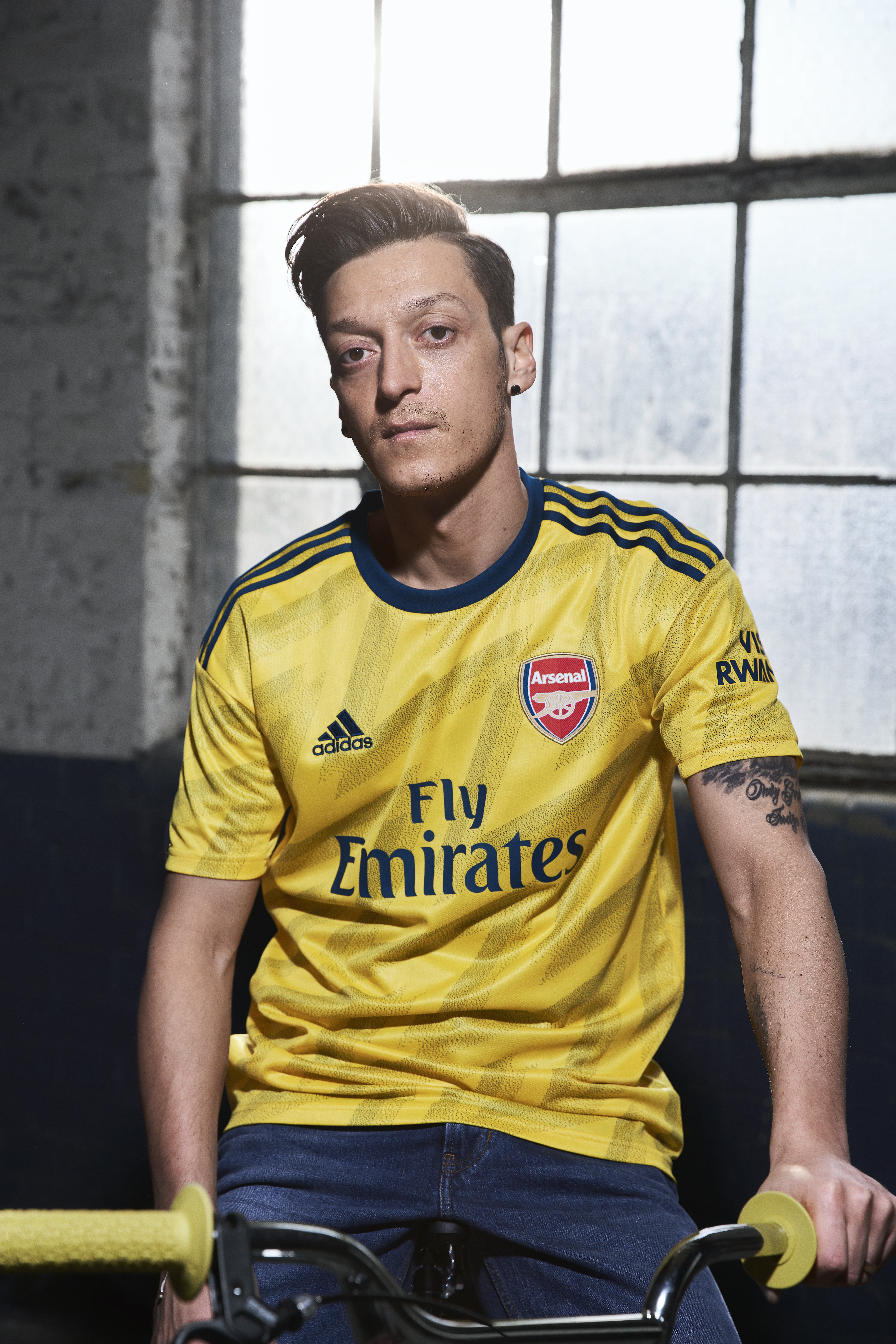 competitive price 45e8f 88474 Arsenal news: Pierre-Emerick Aubameyang & Mesut Ozil feature ...