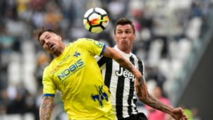 Mario Mandzukic Fabrizio Cacciatore Juventus Chievo Serie A 2017/09/09