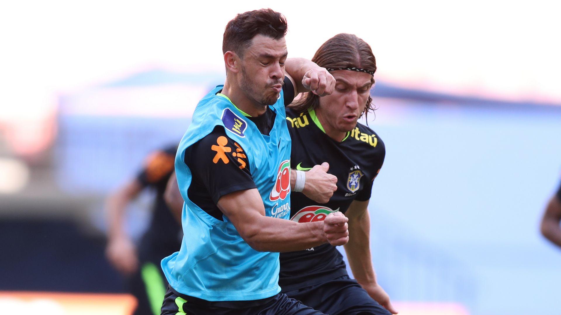 Filipe Luis Giuliano Brazil Selecao treino 03092017