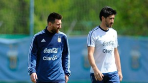 Pablo Perez Lionel Messi Argentina Entrenamiento