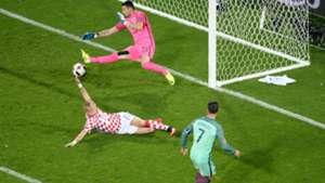 croatia portugal - cristiano ronaldo domagoj vida danijel subasic - euro 2016 - 25062016