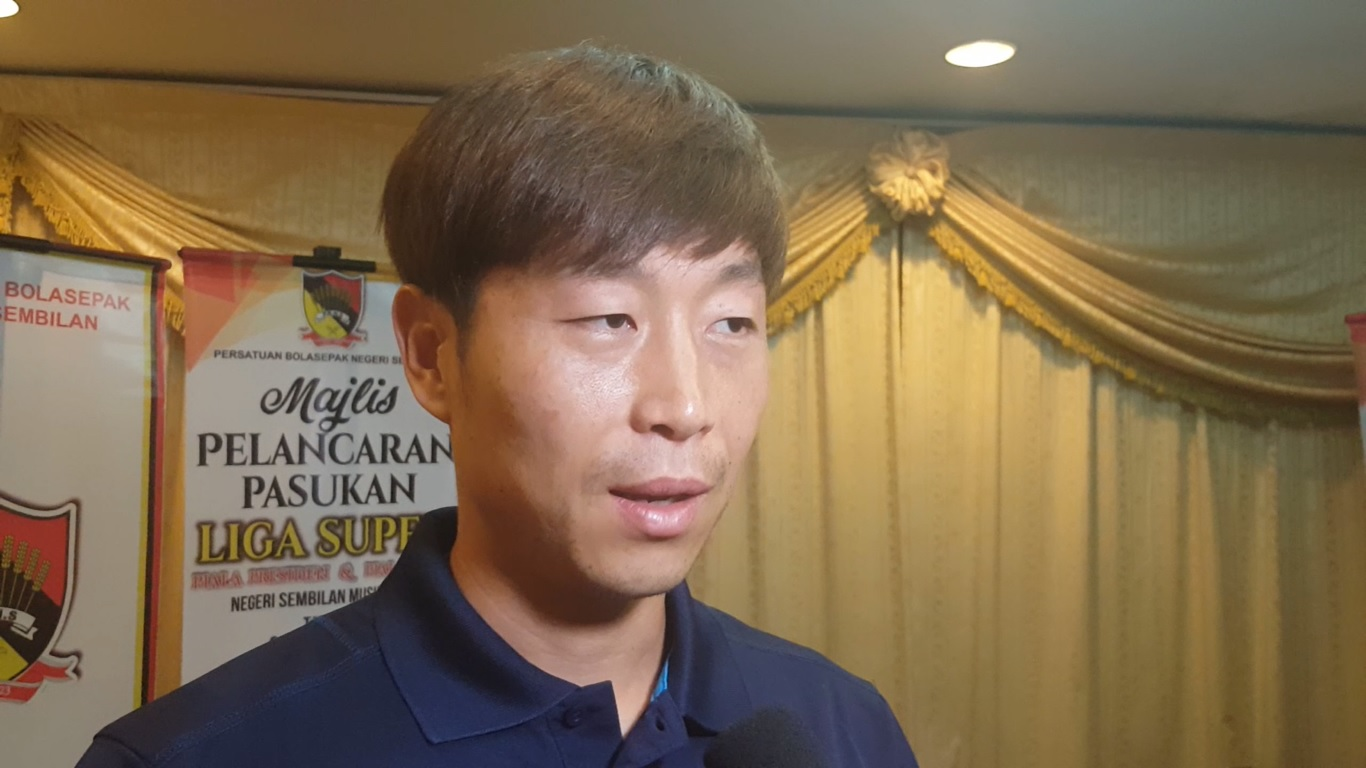 Former Korea international Kim Do-heon keen to impart his experience on Negeri young players
