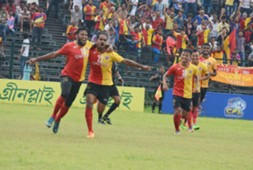 East Bengal players celebrate