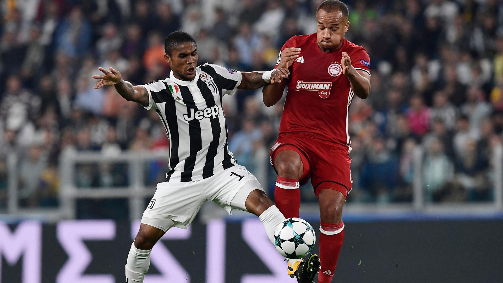 Douglas Costa Juventus Olympiacos Champions League