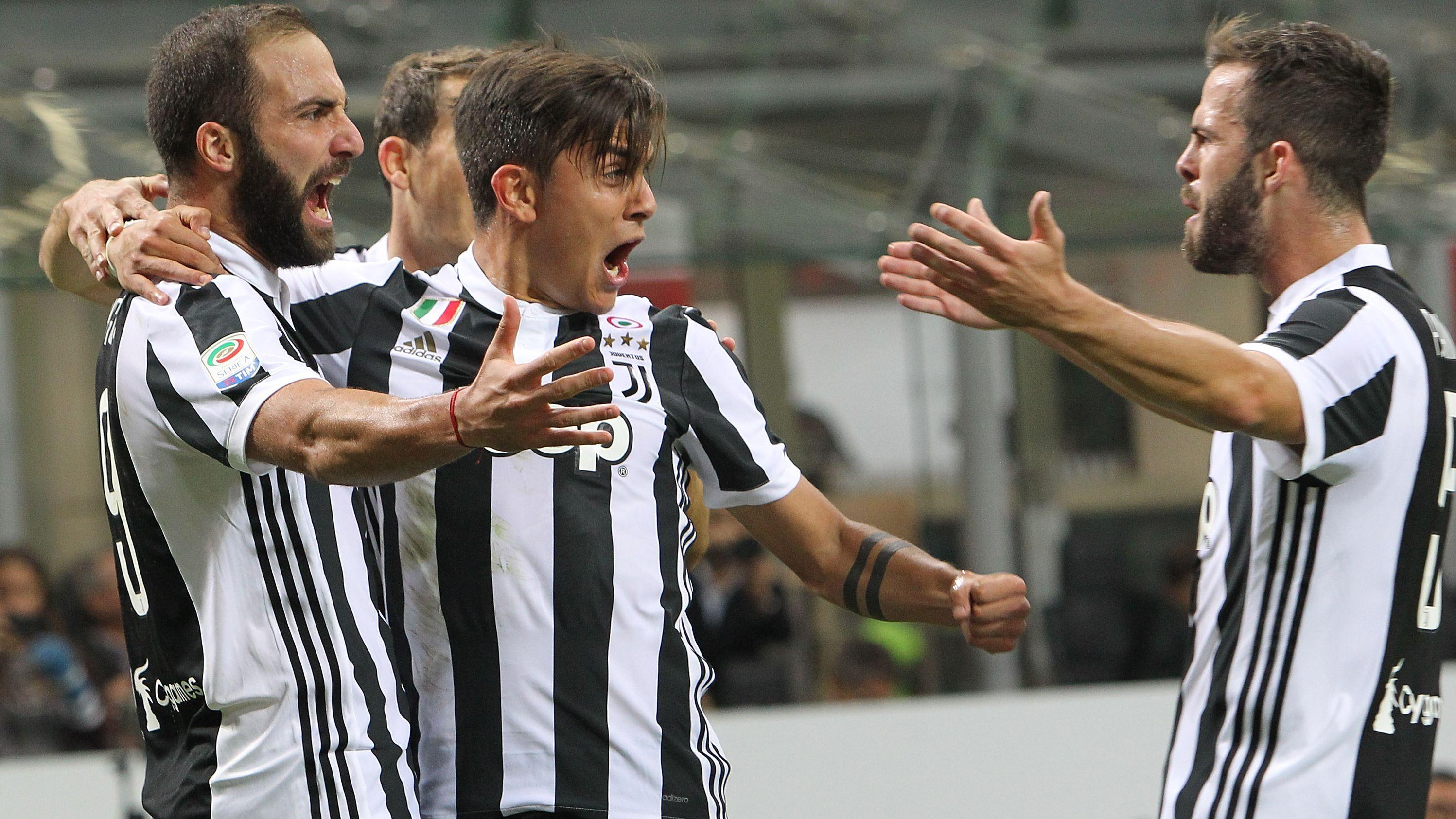 Juventus celebrating Milan