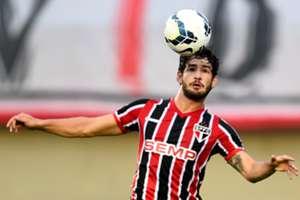 Pato foi vaiado e ofuscado por reservas em despedida do São Paulo; relembre
