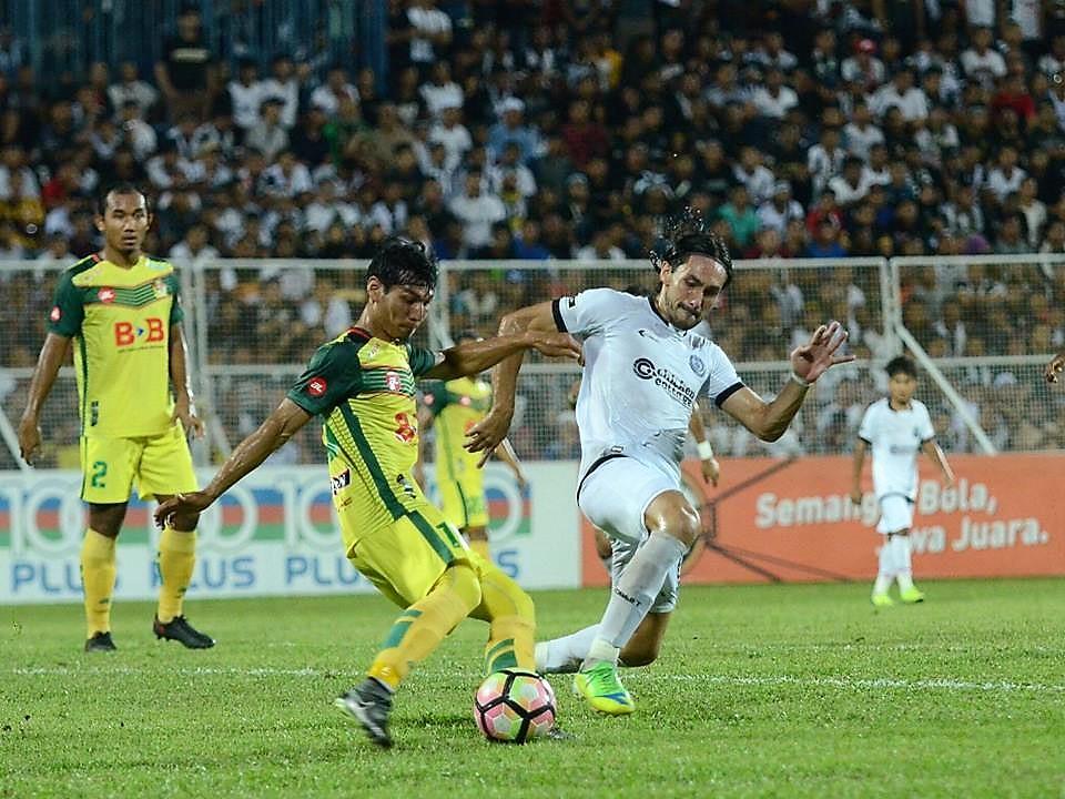 Rizal Ghazali Kedah Issey Nakajima-Farran Terengganu Malaysia FA Cup 13052017