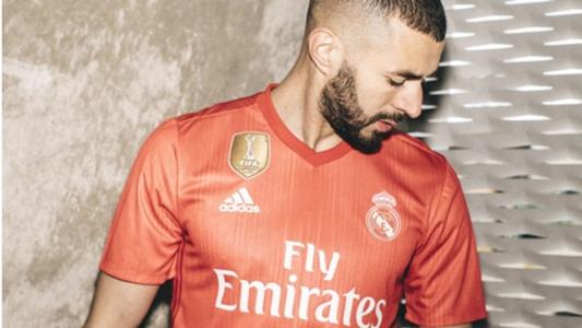 Real Madrid apresenta nova camisa feita de plástico retirado do oceano  d57e5e671f691