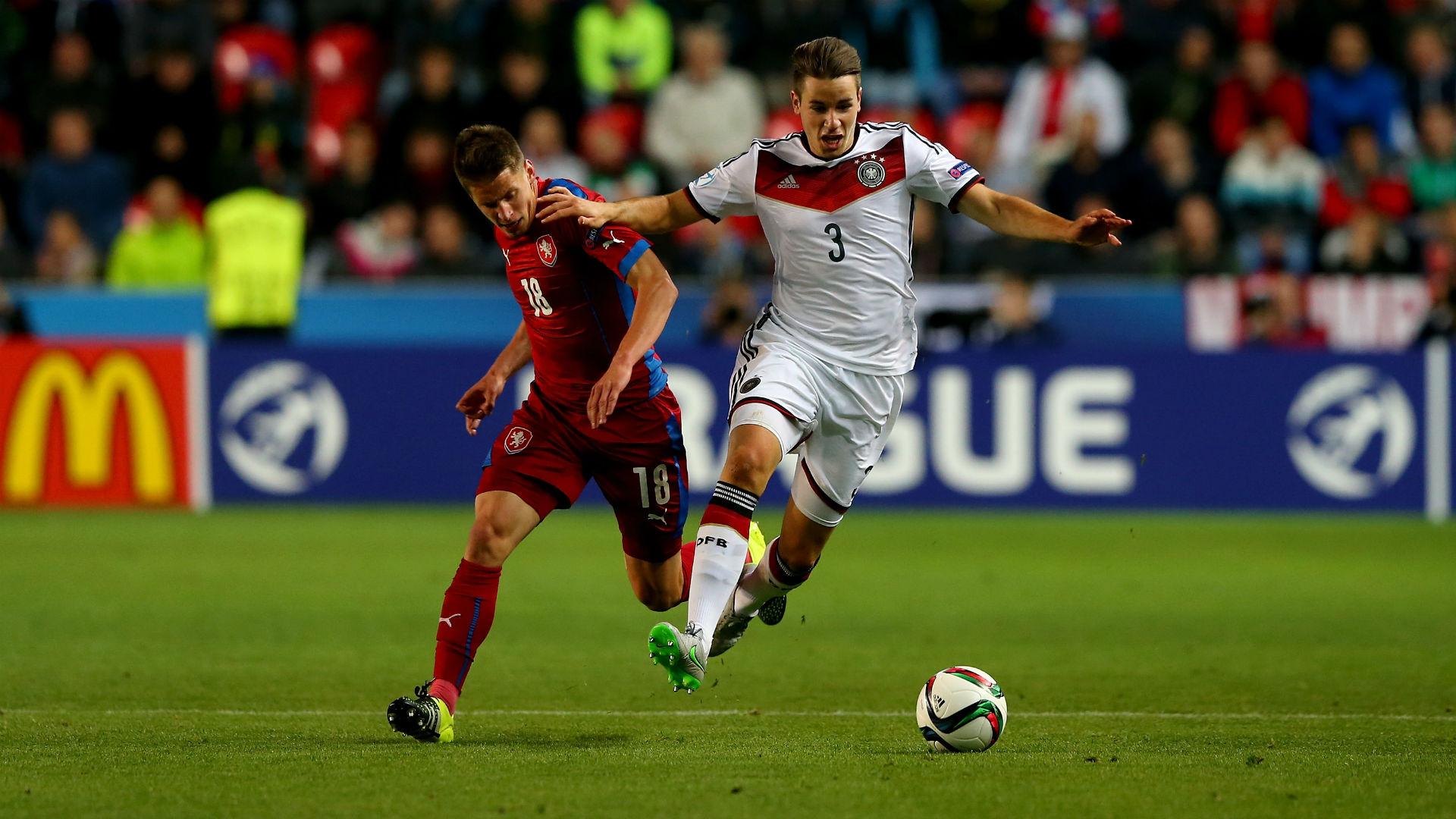 Meyer e Gnabry stendono la Repubblica Ceca, la Germania vince 2-0