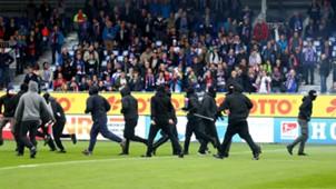 Holstein Kiel - FC St. Pauli, 2. Bundesliga, Platzsturm, 09192017