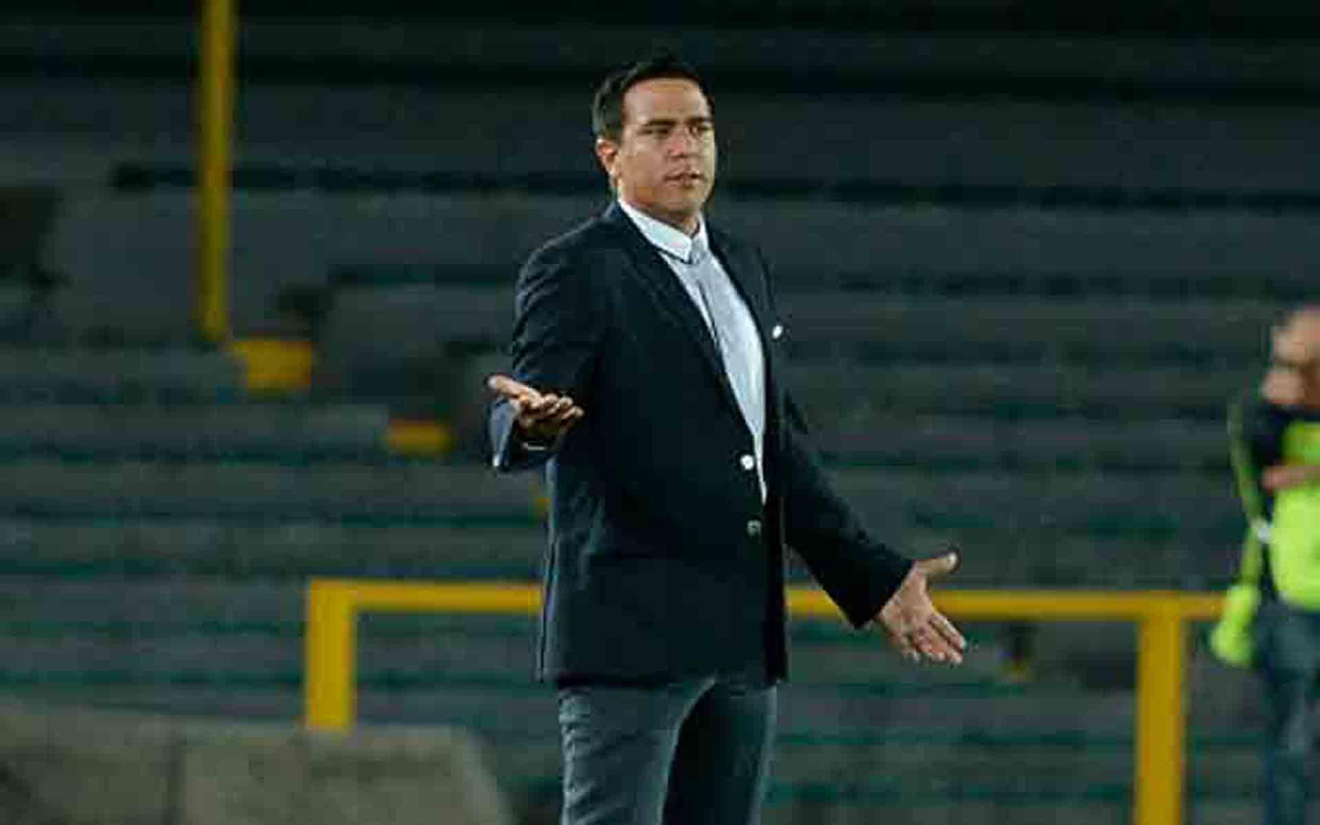 César Farías pone fin a su relación con The Strongest