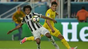 Juan Cuadrado Yuri Berchiche Juventus PSG ICC 2017
