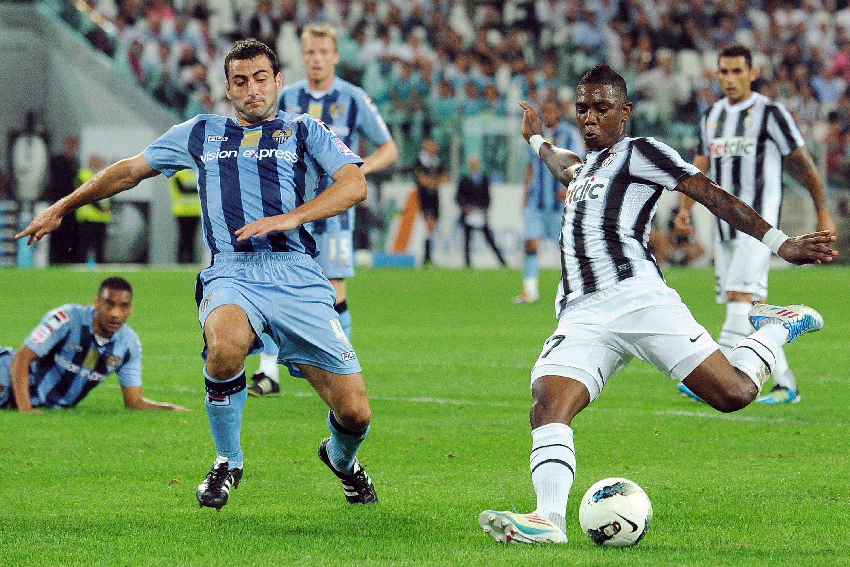 La Juve risponde all'appello del Notts County: Agnelli offre le maglie