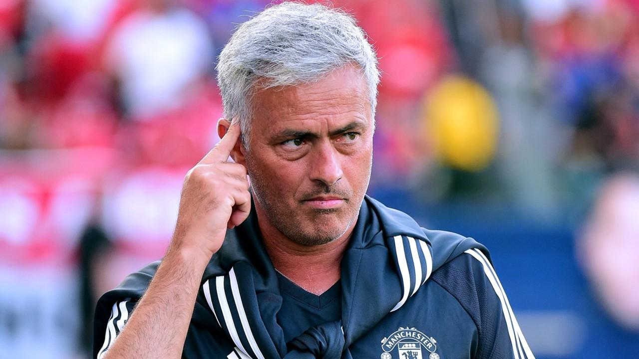 Với Jose Mourinho, giông tố mới chỉ bắt đầu.