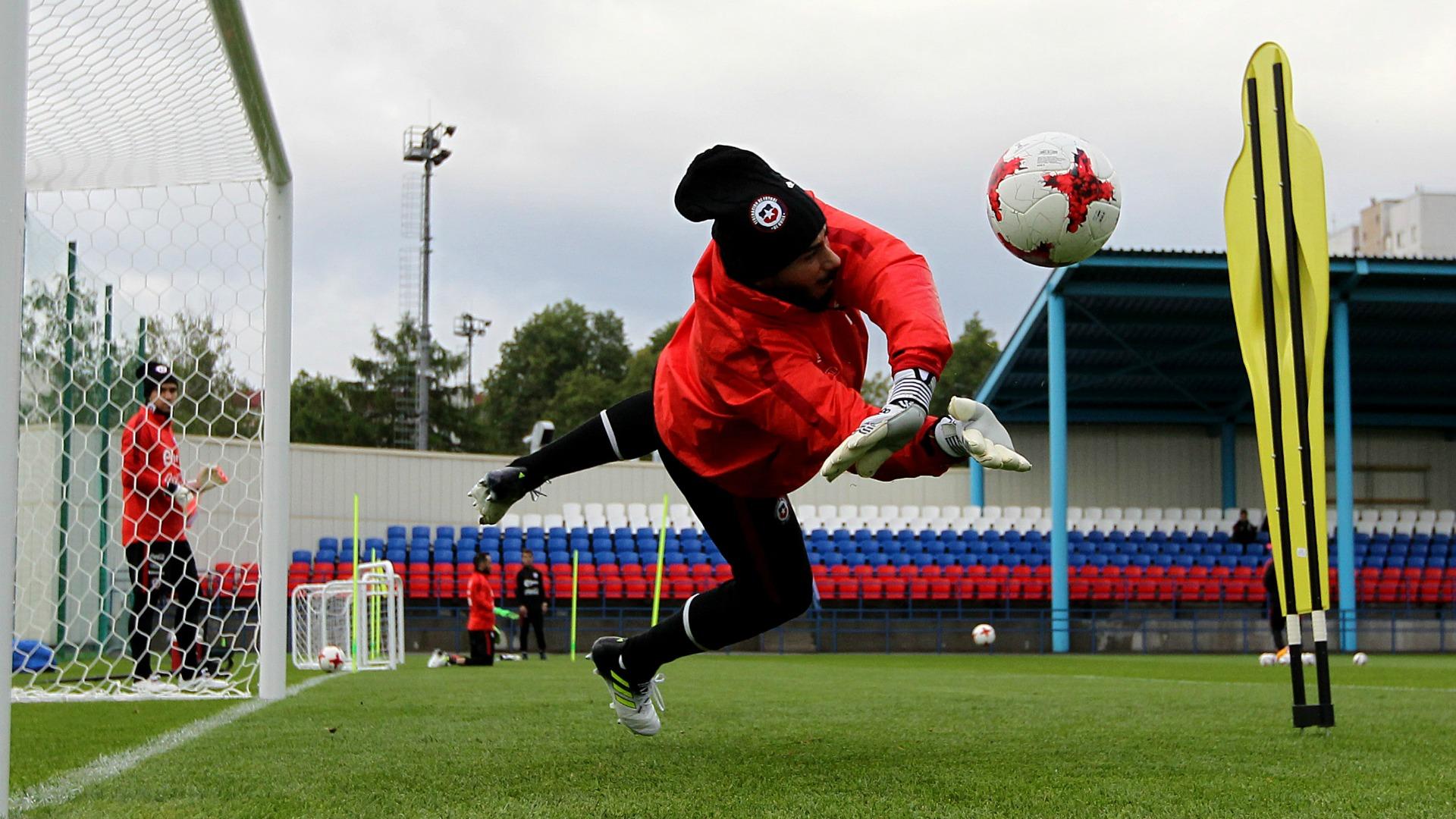 Johnny Herrera Chile training 160617