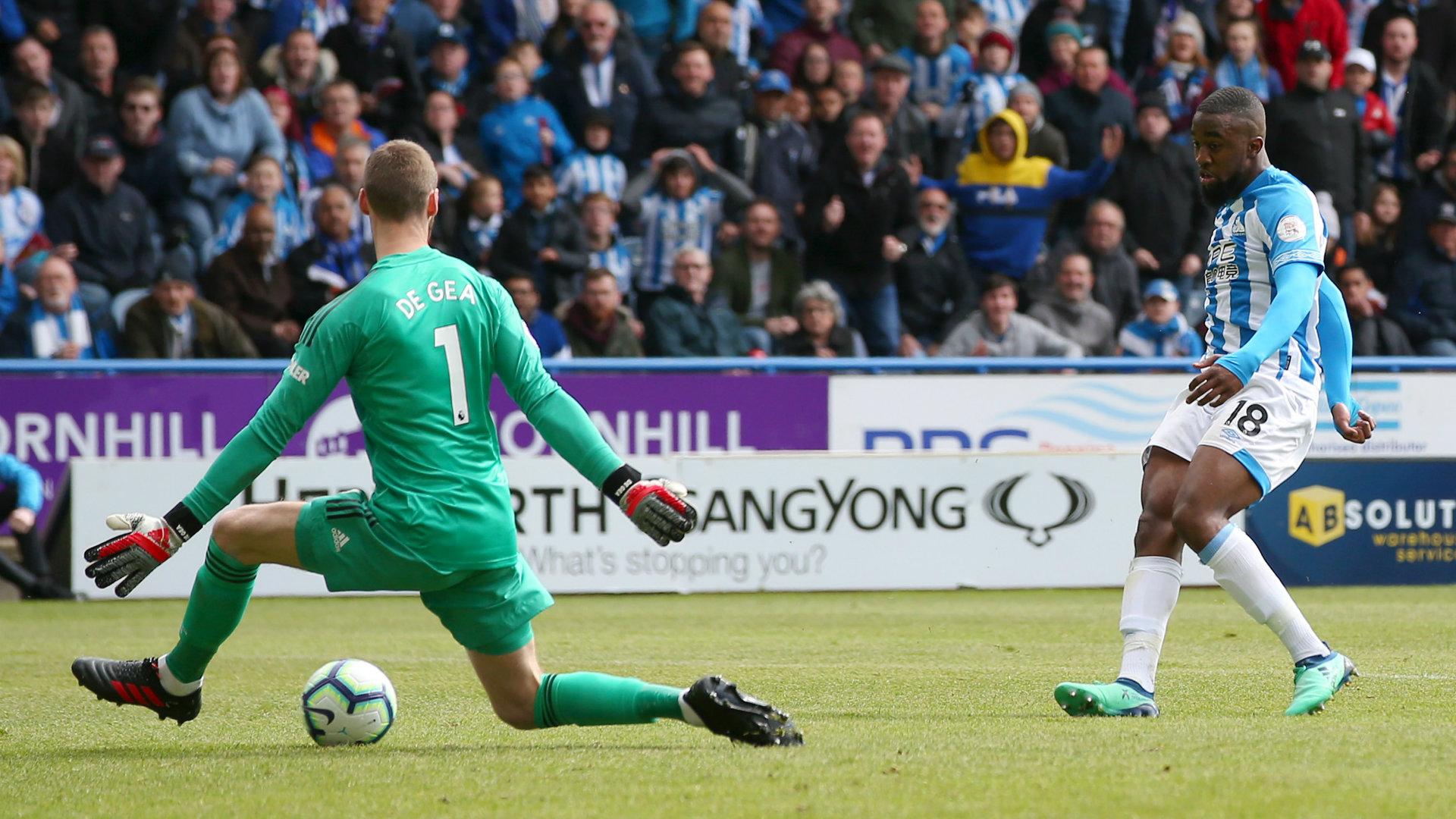 Isaac Mbenza Huddersfield vs Man Utd Premier League 2018-19