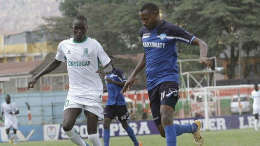 Peter Nzuki of Nakumatt against Fredrick Onyango of Sony Sugar -resized
