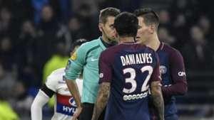 Dani Alves Clement Turpin Lyon PSG Ligue 1 21012018