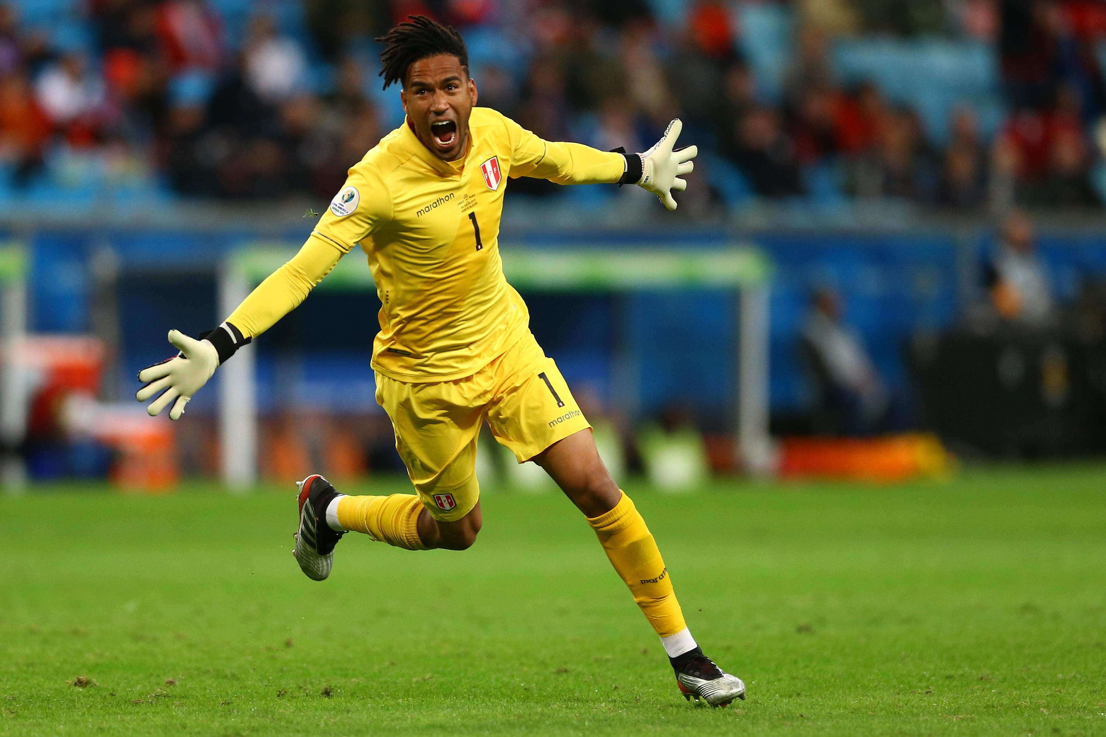 Le Pérou voit triple et affrontera le Brésil en finale — Copa America