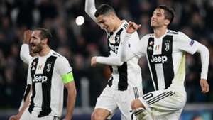 Giorgio Chiellini Cristiano Ronaldo Rodrigo Bentancur Juventus Champions League