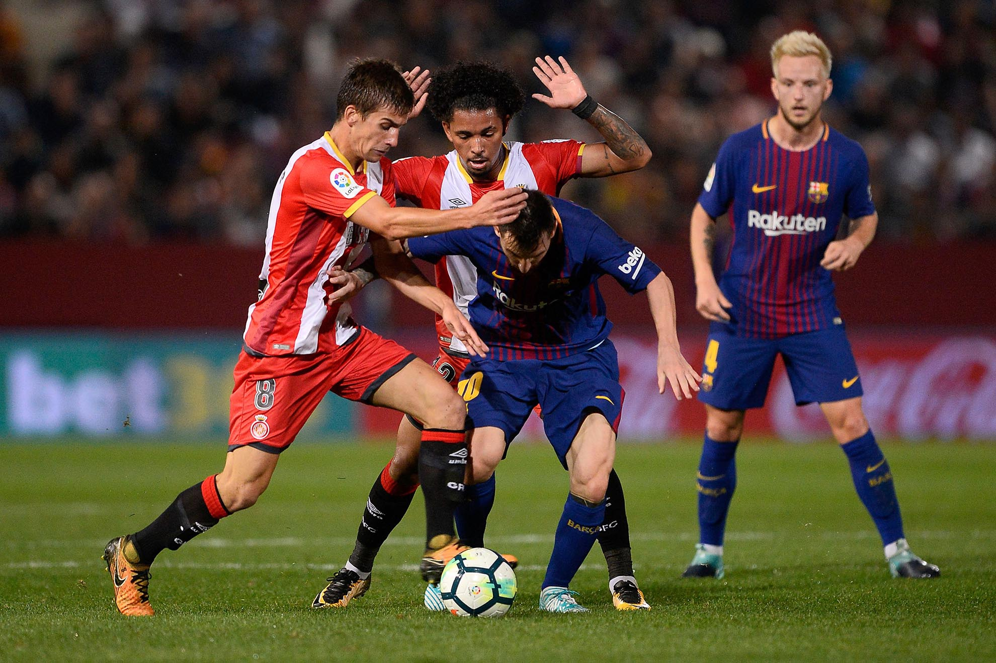 Con dos goles de Messi, Barcelona goleó a Girona y se escapa