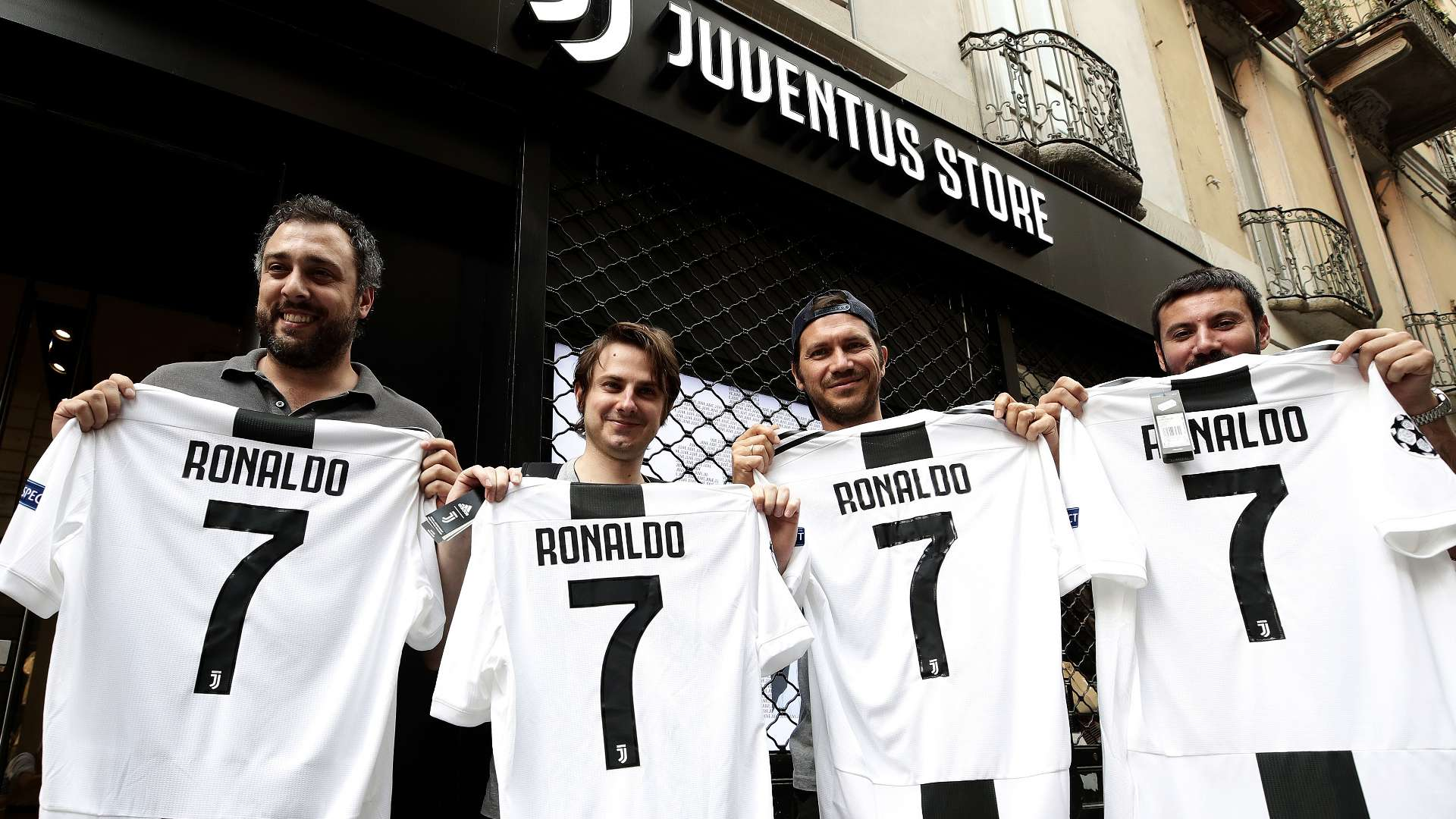 wholesale dealer e3673 aa7e0 Cristiano Ronaldo at Juventus: How many shirts has CR7 sold ...