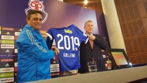 Angel Guillermo Hoyos renovó hasta 2019 en Universidad de Chile