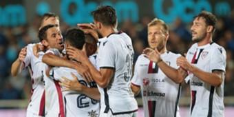 Cagliari players celebrating Atalanta Cagliari Serie A