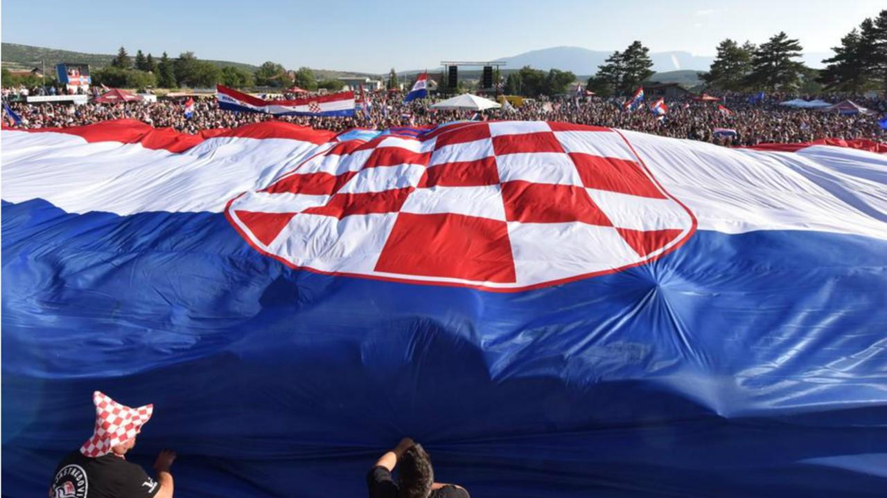 Croatia fans Livno 24072018