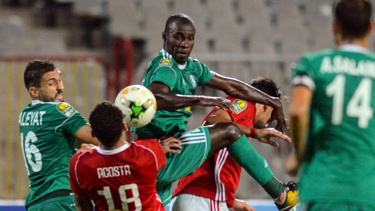 Diogo Acosta of Etoile du Sahel, and Al-Ahly Tripoli's Bader Ahmed