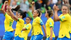 Jogadoras comemoram vitória Brasil Jamaica Copa do Mundo Feminina 11062019