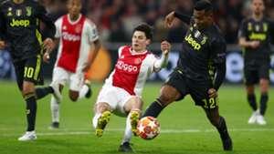 Jurgen Ekkelenkamp Alex Sandro Ajax - Juventus 04102019