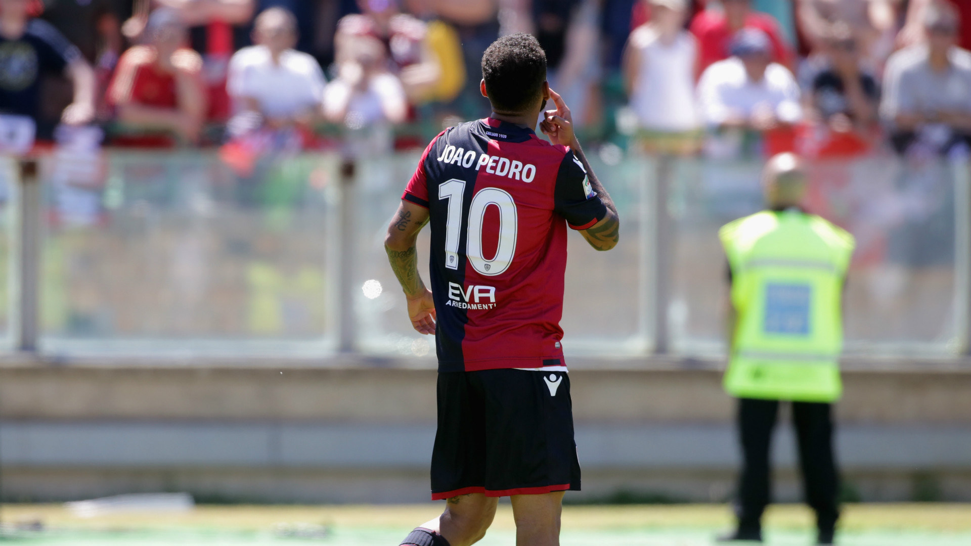 Cagliari, Joao Pedro positivo al test antidoping
