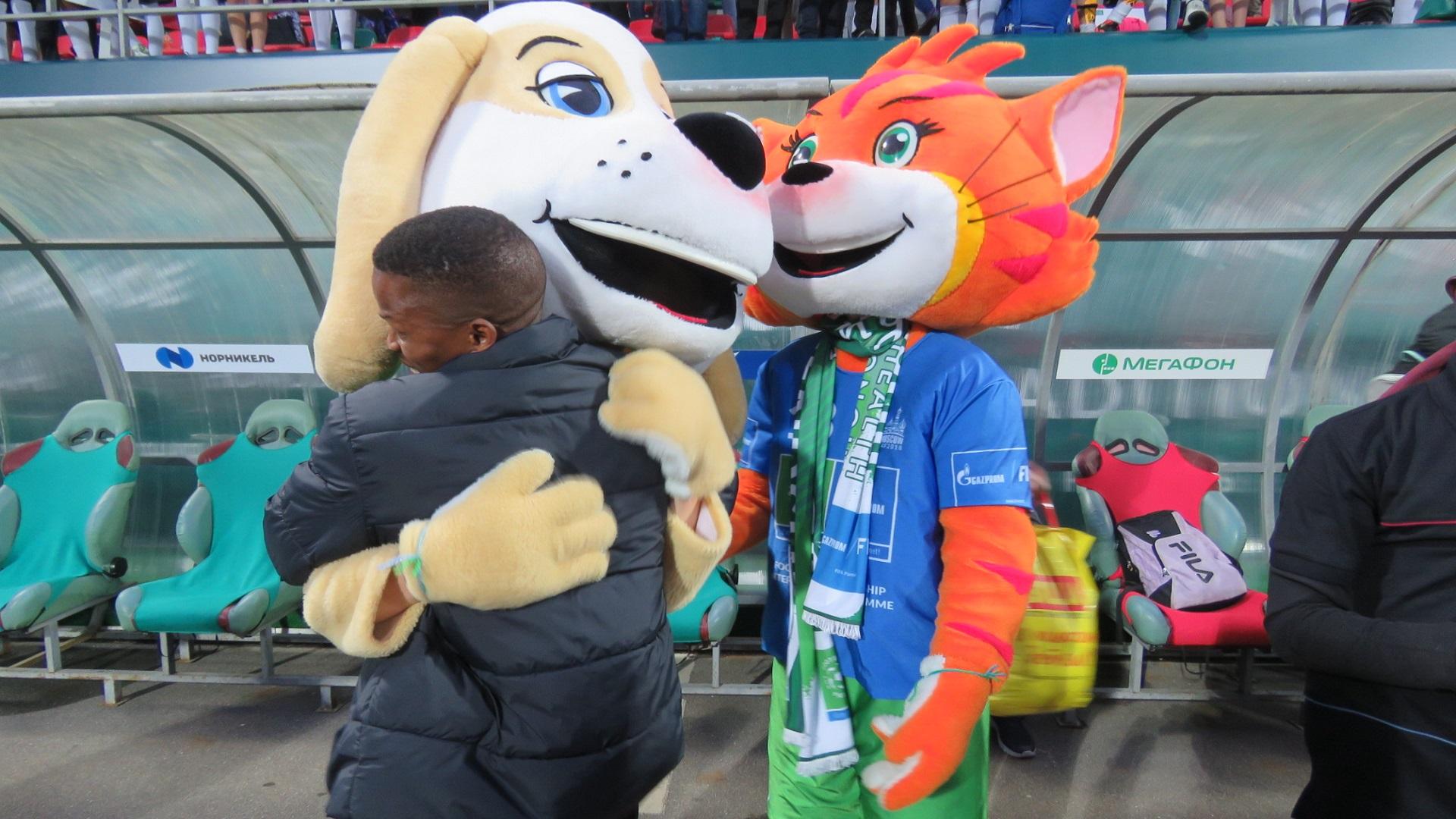 Young Bafana's coach Veron higs a mascot in Russia