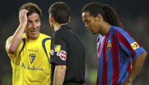 Ronaldinho Eduardo Berizzo Barcelona Cadiz La Liga 29042006