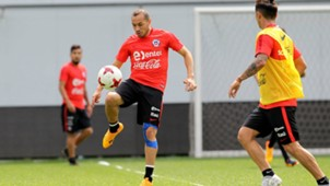 Marcelo Díaz Chile training 100617