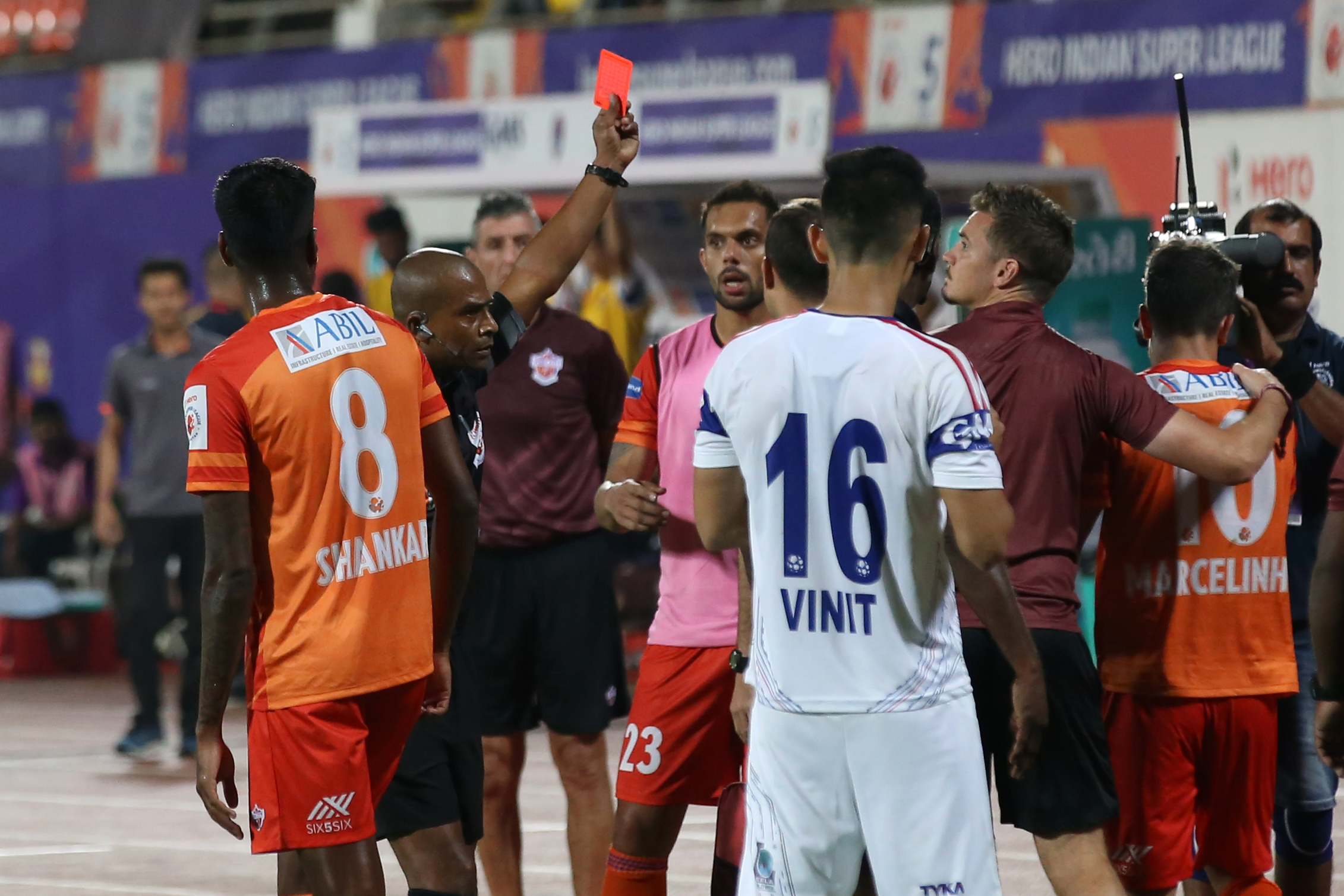Marcelinho red card Pune City Delhi Dynamos