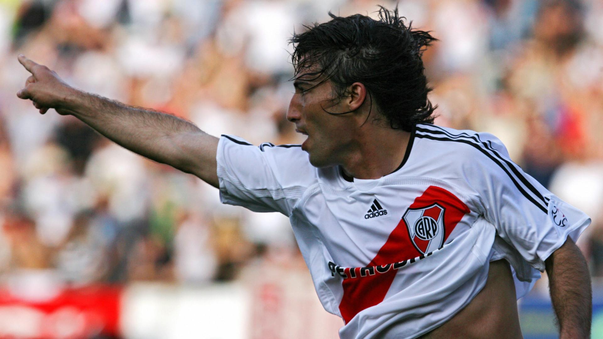 Ernesto Farias River Plate