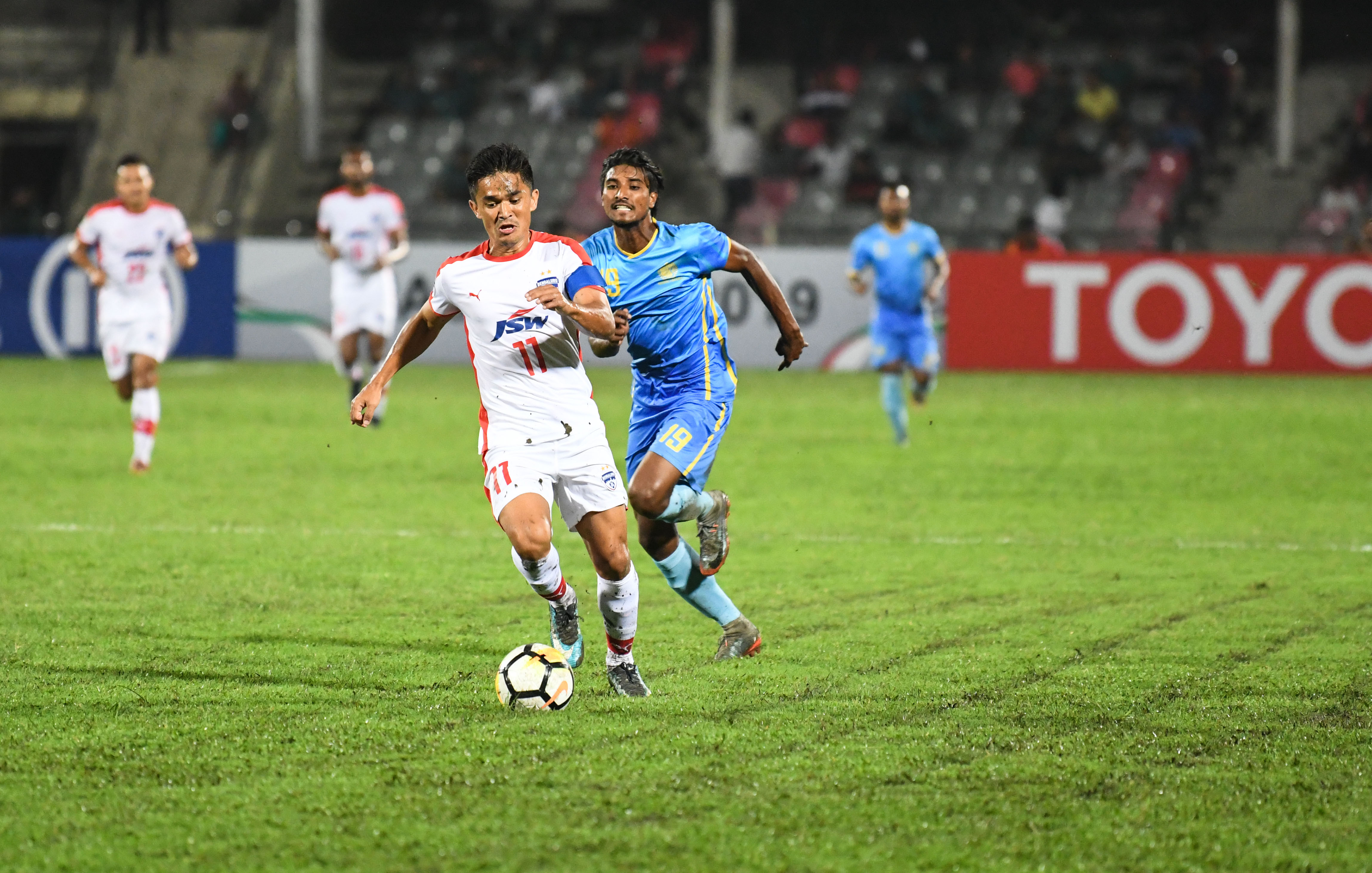 Chhetri and Aizawl help BFC enter knockouts