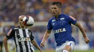 Thiago Neves Fábio Santos Cruzeiro Atlético-MG Campeonato Mineiro 01042017