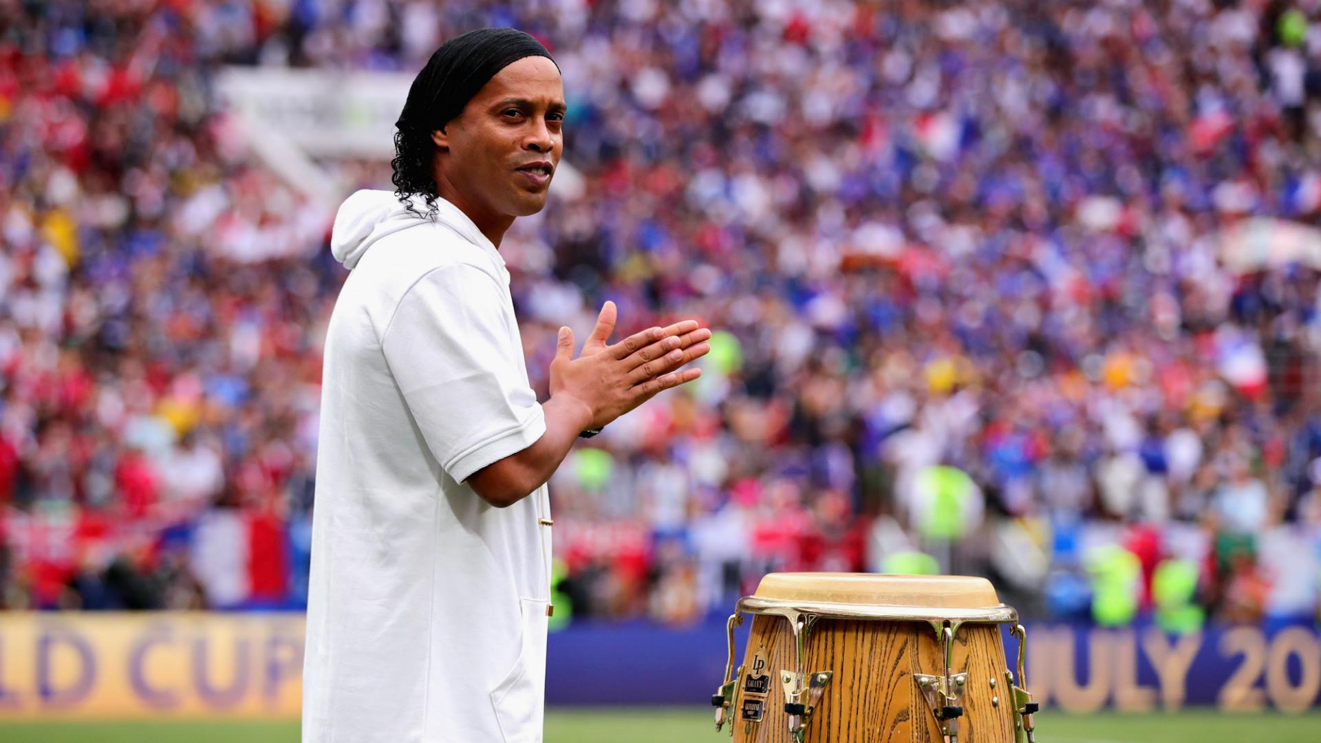 Hijo de Ronaldinho es contratado por el equipo de Cruzeiro