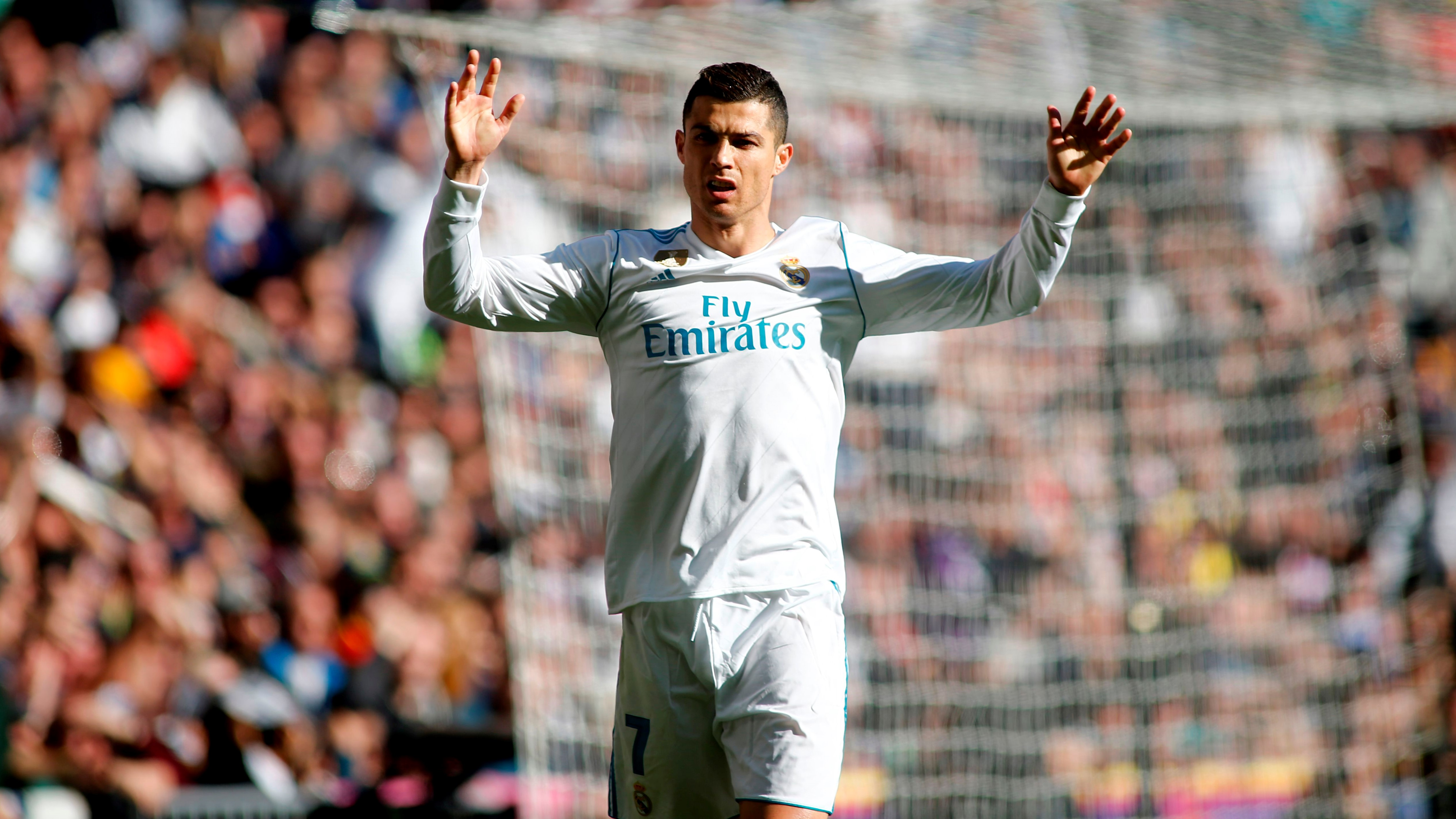 Cristiano Ronaldo tem muito espaço para mais prémios