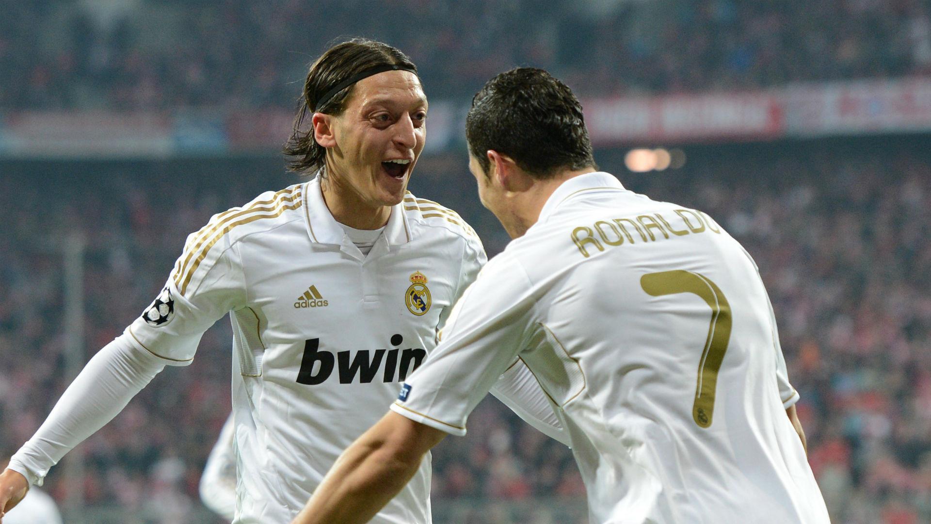 Mesut Ozil Cristiano Ronaldo Real Madrid