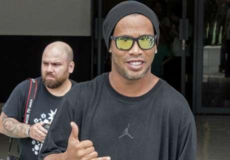 'It's a lie' - Ronaldinho laughs off marriage reports