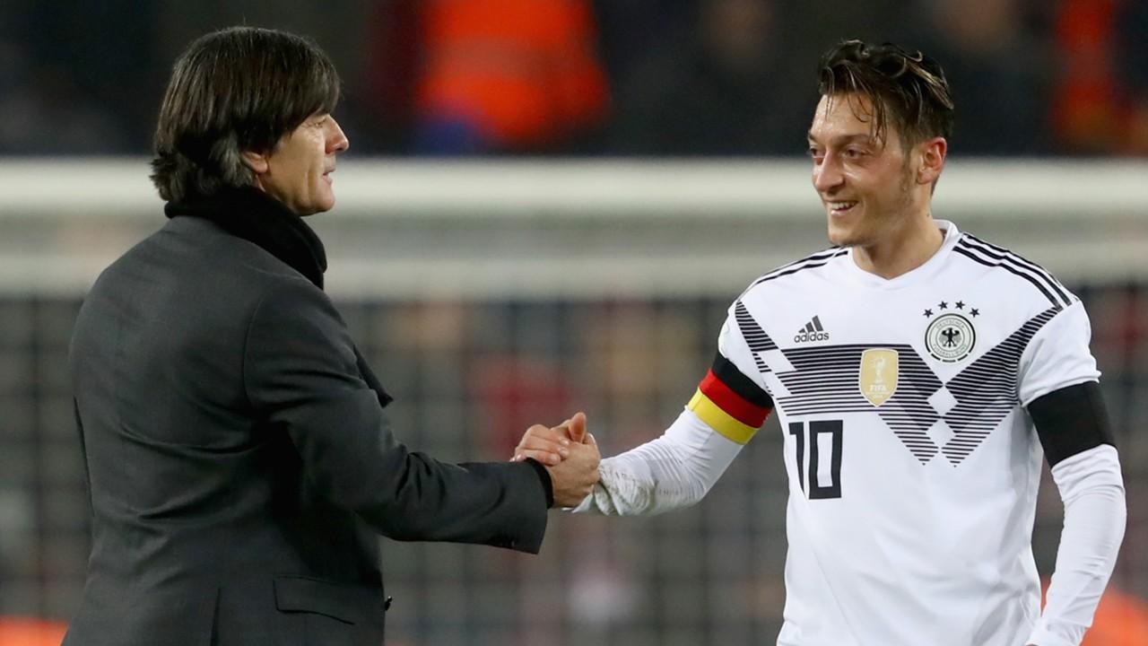 Mesut Özil Jogi Löw DFB